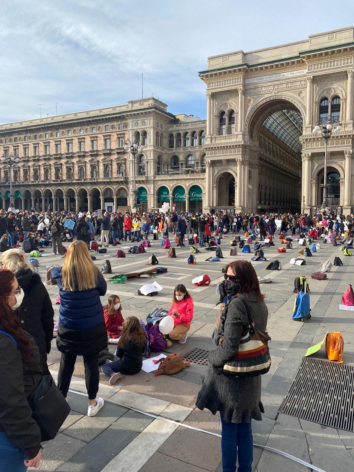 Milano 21 Marzo Vogliamo tornare a Scuola!